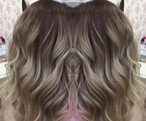 blonde, curlyhair, and curls image