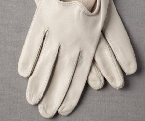 aesthetic and white gloves image