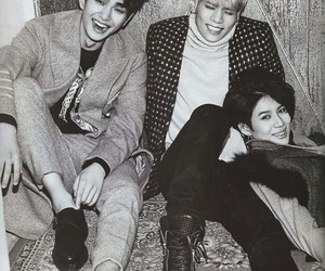 SHINee, Jonghyun, and Onew image