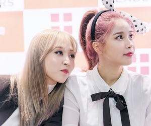 mamamoo, moonbyul, and solar image