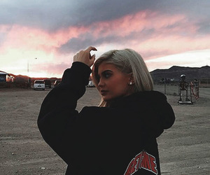 kylie jenner, sky, and wallpaper image