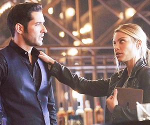 couple, lucifer morningstar, and chloe decker image