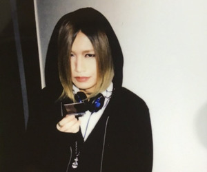 bassist, model, and diaura image