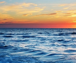 ocean and sunset image