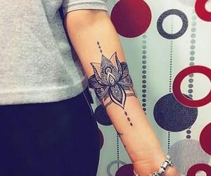 tatto and hand tatto image