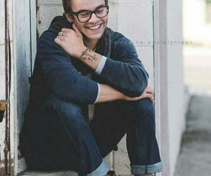 boy, glasses, and Harry Styles image