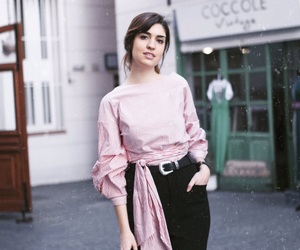 blogger, pink, and fashion image