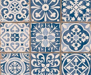 blue and tiles image