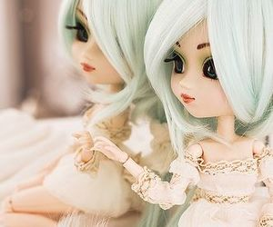 doll, mirror, and muneca image