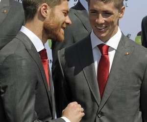 fernando torres and xabi alonso image