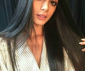 emeraude toubia and shadowhunters image