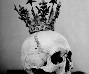 skull, crown, and black and white image