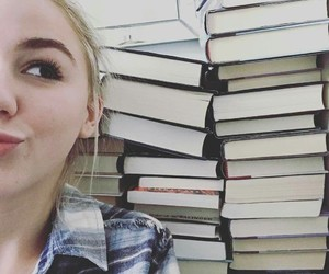 books and chloe lukasiak image