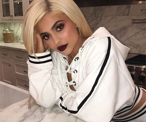 icons and kylie jenner image