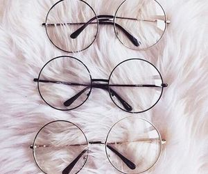 glasses and accessories image