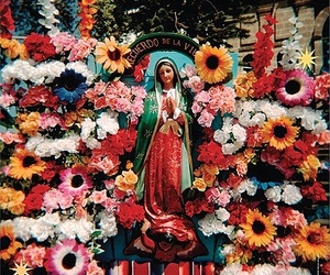 Catholic, cultura, and flowers image