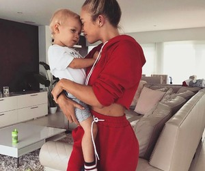tammy hembrow, family, and baby image