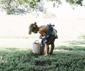 crianca, natureza, and cesta image