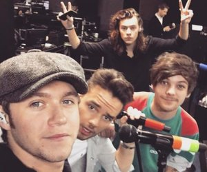 louis, one direction, and selfie image