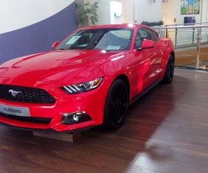 ford mustang red image