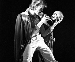 black and white, classic rock, and david bowie image
