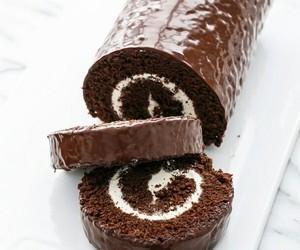 roulé au chocolat image
