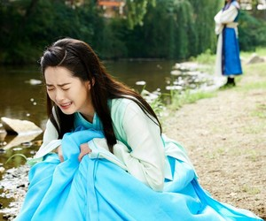 park, go ara, and hyungsik image