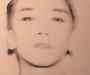 seungri, lee seung hyun, and v.i image