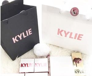 bag, lipstick, and kylie jenner image