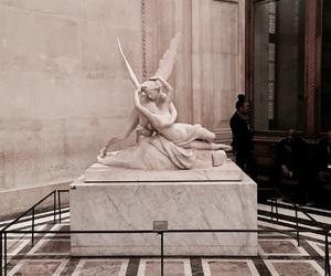 paris and louvre image