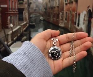 necklace, venice, and fangirl image