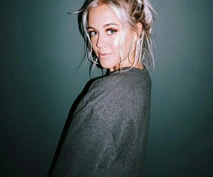 girl and lottie tomlinson image