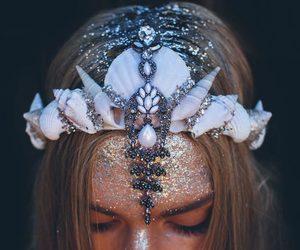 mermaid, glitter, and mermaid crown image