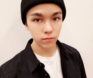 handsome, Seventeen, and vernon image