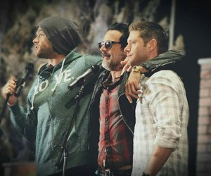 jeffrey dean morgan, john winchester, and spnfamily image