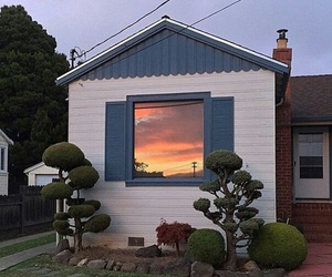 theme and house image