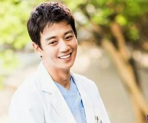 doctors, oppa, and kim rae won image