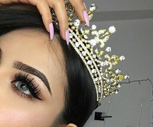 makeup, crown, and Queen image