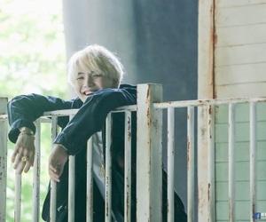 k-pop, min yoongi, and 슈가 image