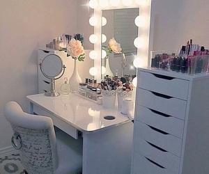 makeup, lights, and room image