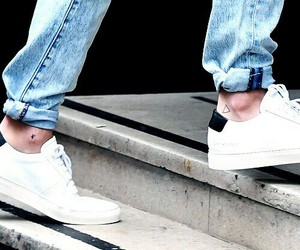 louis tomlinson, louis, and ankles image