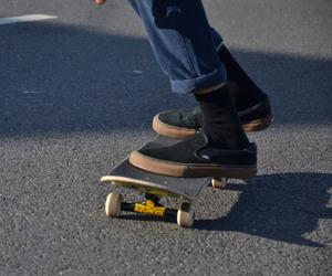 skateboard, aesthetic, and skateboarding image