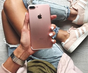 rosegold and iphone7plus image