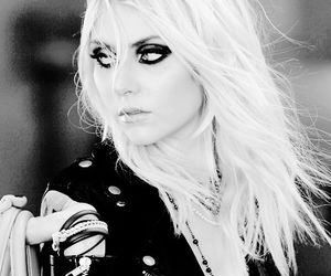rock, singer, and Taylor Momsen image