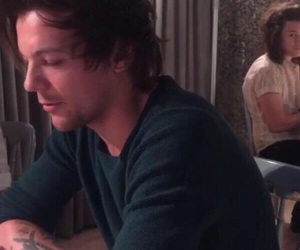 louis tomlinson, one direction, and Harry Styles image