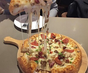 food, pizza, and yummy image