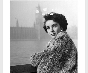 Elizabeth Taylor and london 40s image