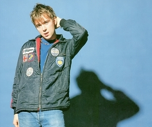 blur, damon albarn, and nineties image