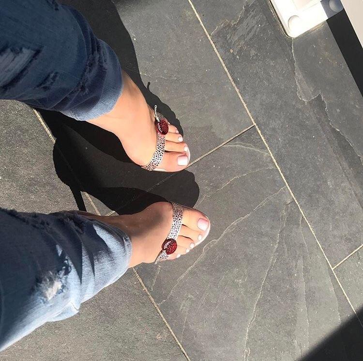 Jess-legs Jessica Kensky