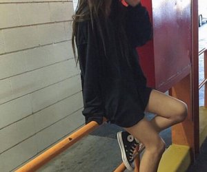 grunge, girl, and outfit image
